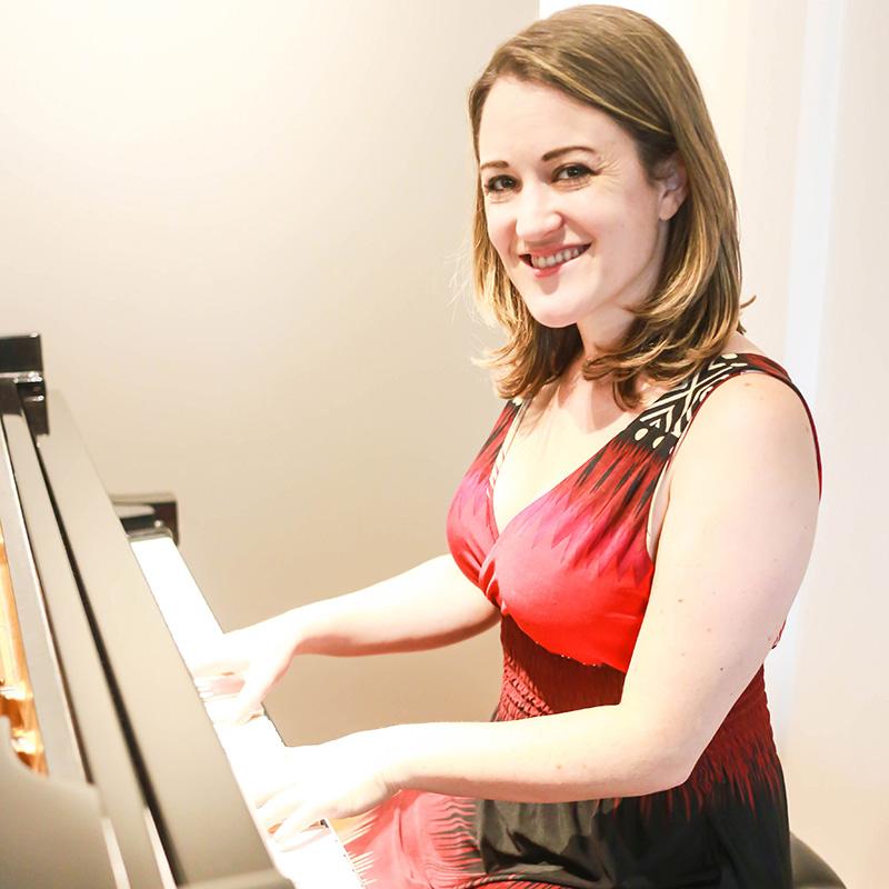Laura Piano, Voice